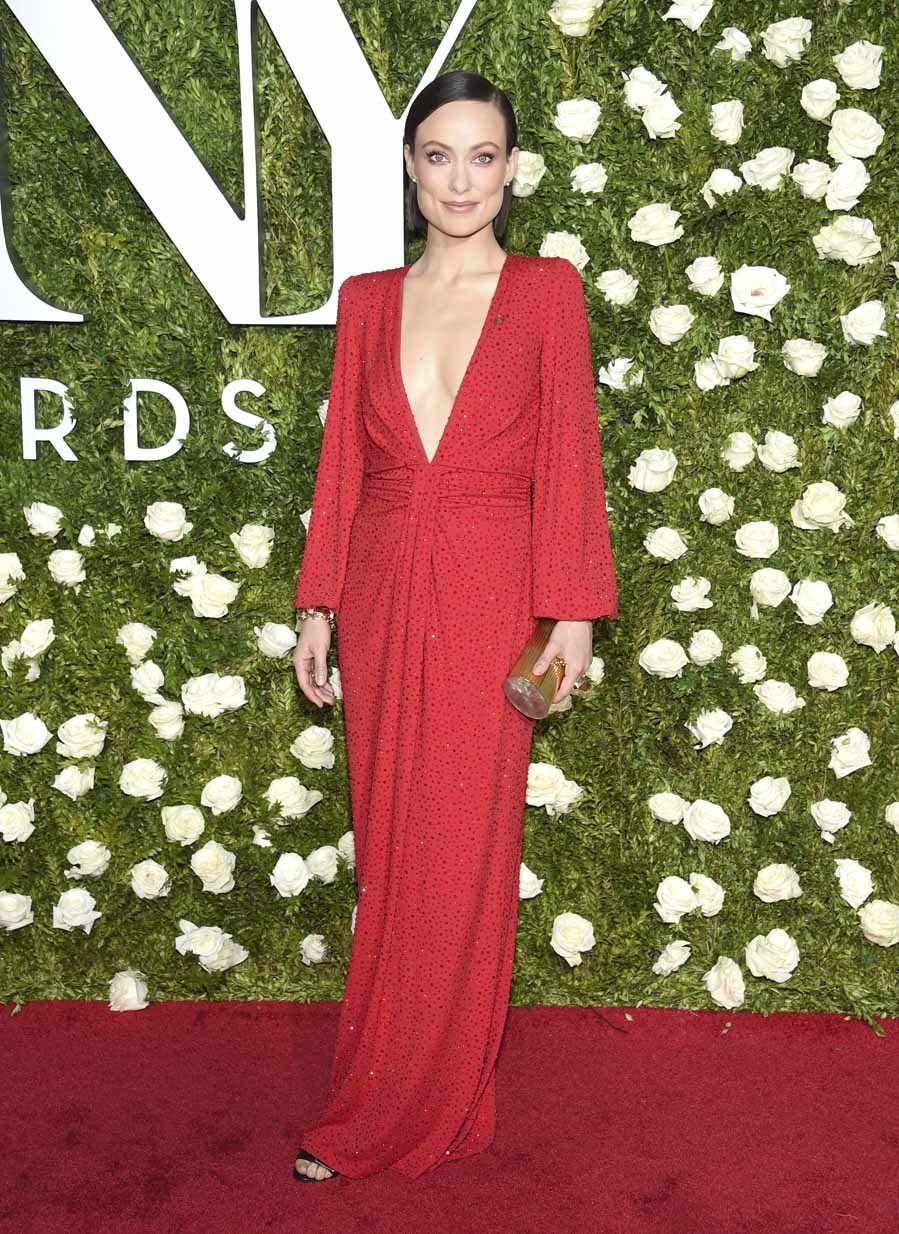 1. Olivia Wilde con un impresionante vestido joya de Michael Kors.
