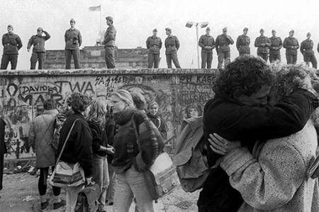 La caída del Muro de Berlín en imágenes