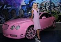 Paris Hilton vetada por sus padres