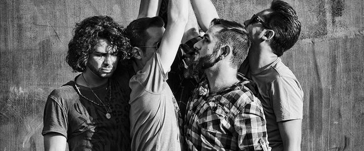 Deniro: 'Somos un grupo que utiliza el rock como elemento de comunicación'