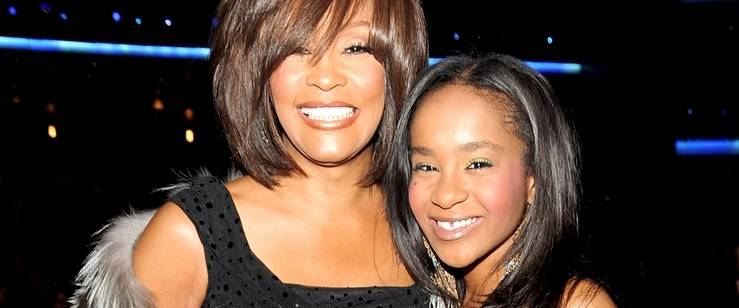 Bobbi Kristina se reúne con su madre Whitney Houston