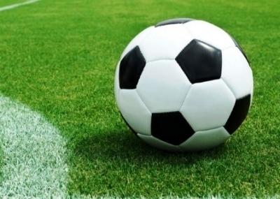 El fútbol también se juega online