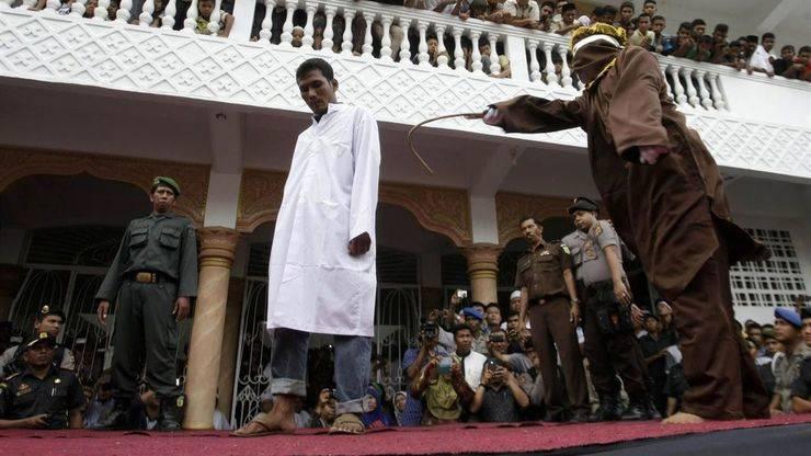 Un turista homosexual en Indonesia puede ser apaleado