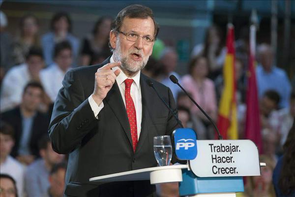 Rajoy empieza la campaña prometiendo bajar el IVA