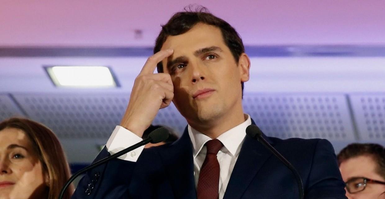 Rivera golpeará Cataluña mientras el hierro está caliente