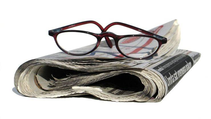 La lectura de diarios en papel, en caída libre