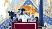 Imágenes de Javier Cámara y Jude Law durante el rodaje de 'The Young Pope'