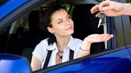 Comprar el coche se encarece casi un 4% en 2.015