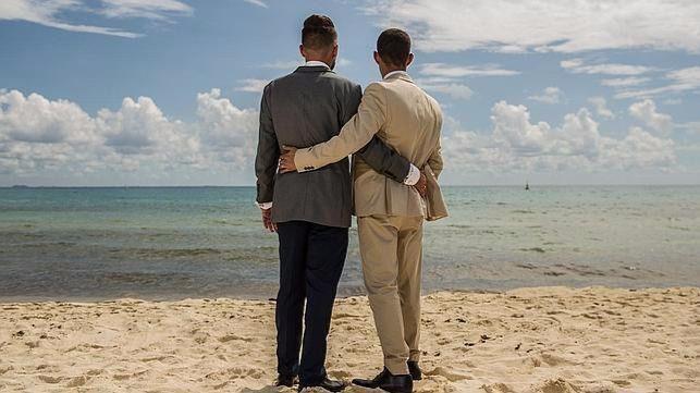 Antena 3 se lleva la noche con su primera boda gay en 'Casados a primera vista'