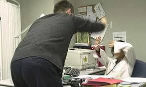 Crecen las agresiones a los médicos