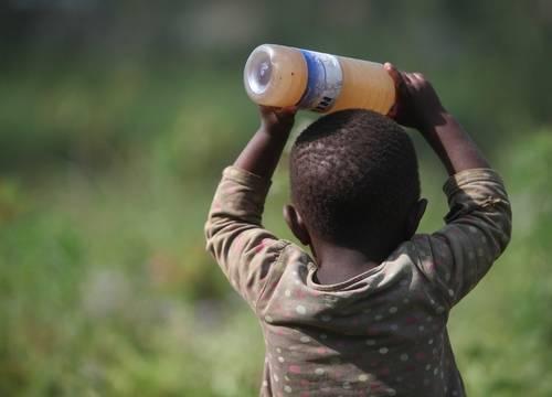 Quinientos niños subsaharianos mueren cada día por diarreas