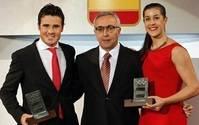 Carolina Marín y Javier Gómez Noya reciben el premio de Mejor Deportista Español 2015