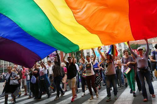 Pedro Sánchez encabecerá la marcha del orgullo gay de Valencia