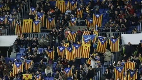 Las peleas por las banderas vuelven a entrar en el fútbol
