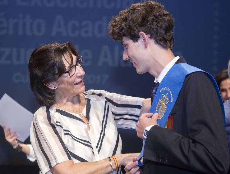 Pozuelo reconoce el mérito y la excelencia académica de los alumnos de Primaria y Secundaria de la ciudad