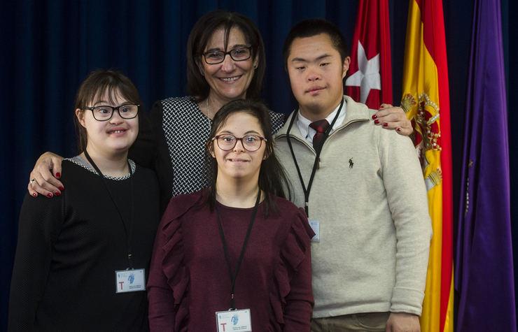 Tres alumnos con discapacidad se incorporan al Ayuntamiento de Pozuelo para realizar prácticas laborales