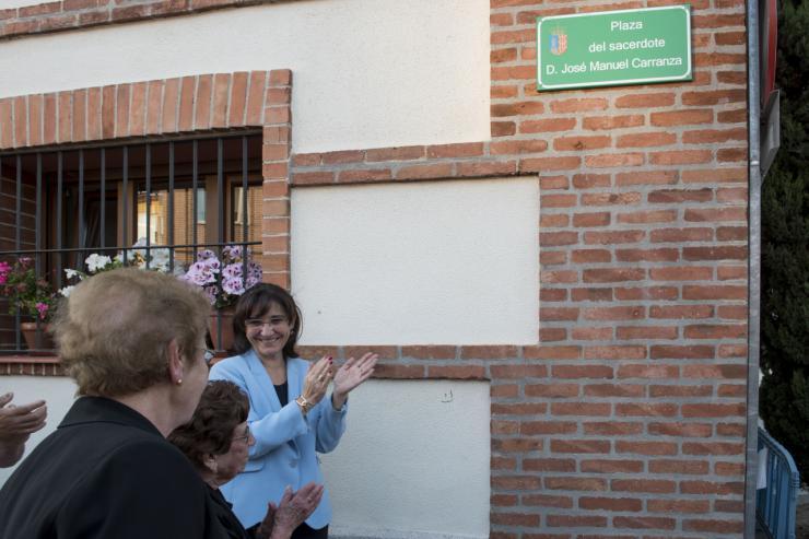 Pozuelo dedica al párroco Don José Manuel Carranza la plaza junto a la iglesia a la que dedicó casi medio siglo de su vida