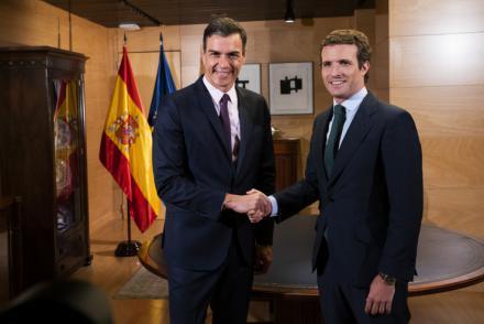 """Casado ofrece """"estabilidad"""" a Sánchez pero no su apoyo a la investidura"""