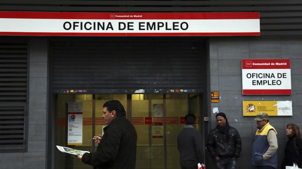 Con la bajada del paro de noviembre Rajoy