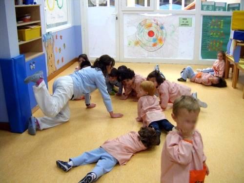 Los atentados hay que tratarlos en las escuelas con los niños