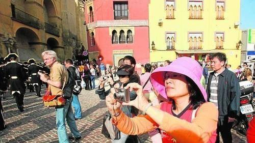 España recibe casi un 5% más de turismo internacional en 2015