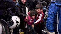 Por primera vez llegan más niños que adultos a Grecia