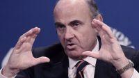 El Gobierno revisa a la baja la economía española