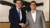Rajoy 'compra' a Rivera con dos sillones