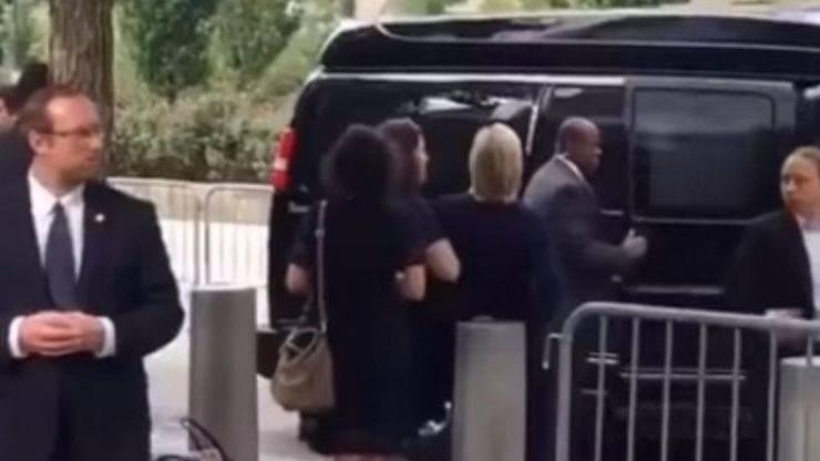 Hillary Clinton al borde del desmayo
