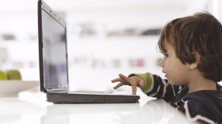 Google se apiada del niño que quería ser youtuber