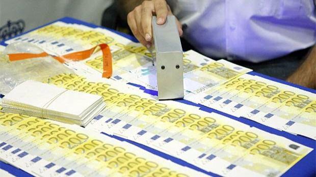 Nueve detenidos por distribuir billetes falsos de 200 euros