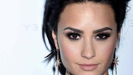 Demi Lovato vs. Taylor Swift