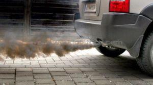 Madrid sancionará aparcar coches contaminantes