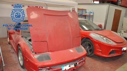 Desmantelado un taller por fabricar réplicas de Ferrari y Lamborghini