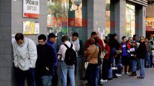 El paro baja en febrero en más de 9000 personas