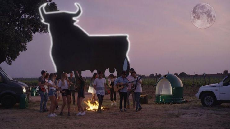 Taburete rescata 'El toro y la luna'