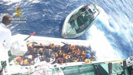 Rescatados 133 inmigrantes en la costa de Libia