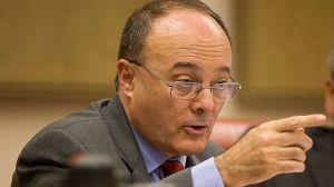 El gobernador del Banco de España reconoce que pudieron hacer más en 2011