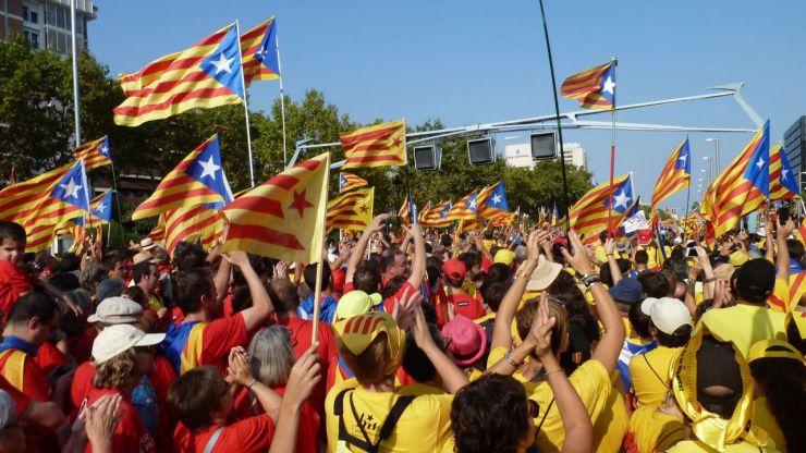 Rebelión de los funcionarios contra el referéndum ilegal
