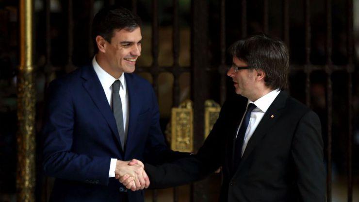 Pedro Sánchez intenta frenar el desafío secesionista con 'más autogobierno en Cataluña'