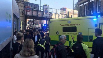 Las autoridades investigan como atentado terrorista una explosión en el metro de Londres