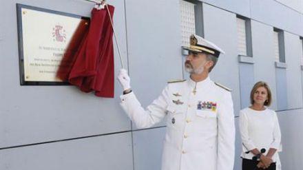 Cospedal: 'La Aviación Naval desempeña un papel primordial e irremplazable en el seno de las Fuerzas Armadas'