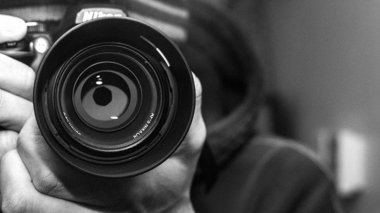 Detenido un fotógrafo por abusar de siete chicas con las que contactó a través de una red social