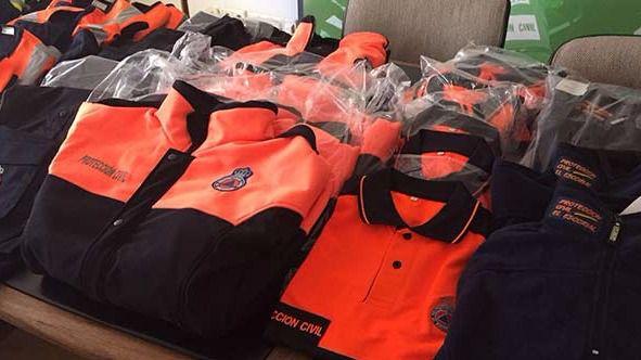 El Ayuntamiento de la Leal Villa de El Escoria presenta la nueva equipación para Protección Civil