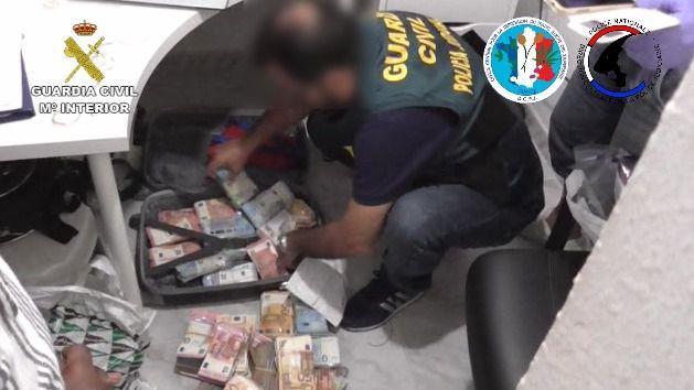 Desarticulada una organización criminal internacional dedicada a la venta y distribución de grandes cantidades de droga
