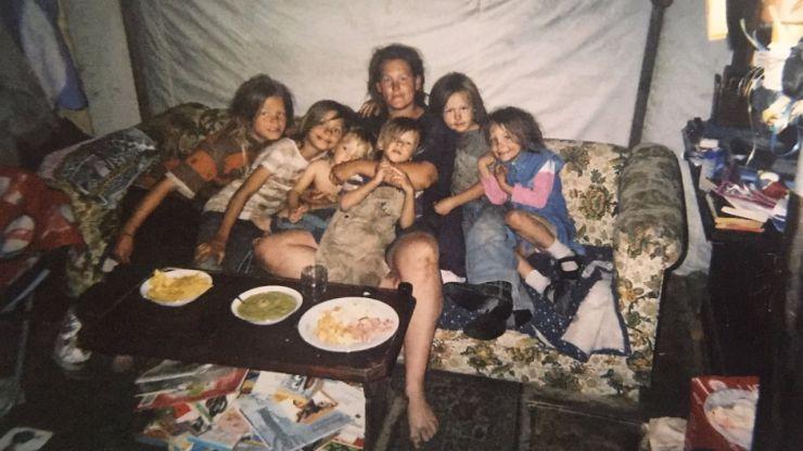 Abusó de su hijastra durante casi dos décadas