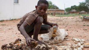 El hambre es un arma que sale muy barata