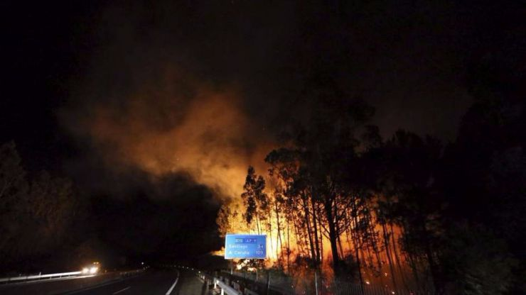 El fútbol protesta contra los incendios provocados en la Península Ibérica