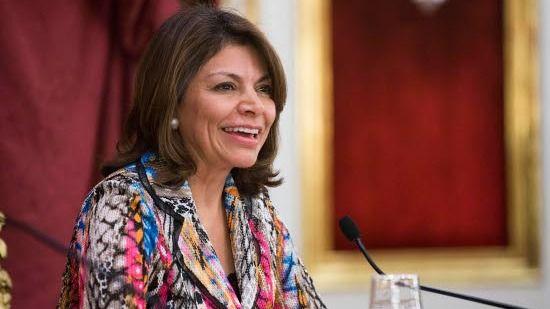 La presidenta de Costa Rica expone las oportunidades de América Latina en la conferenciante del ciclo Cádiz al Mundo