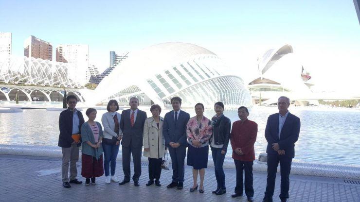 Colomer recibe a una delegación de Cultura de la Embajada China en Valencia